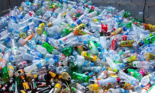 Eliminare le bottiglie di plastica dalle nostre case è un dovere di tutti.
